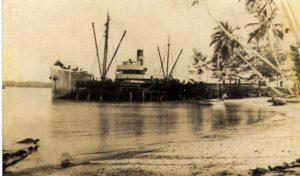 S.S.-Matarum-at-Kavieng-Wharf-1921
