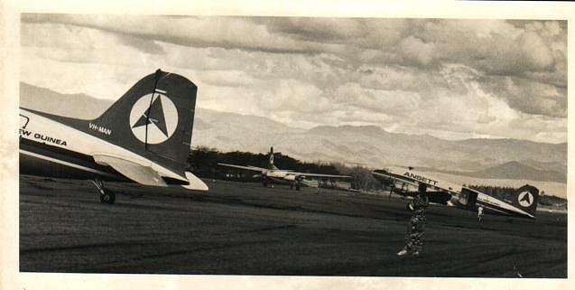 Di Fettell at Goroka watch F27 take off