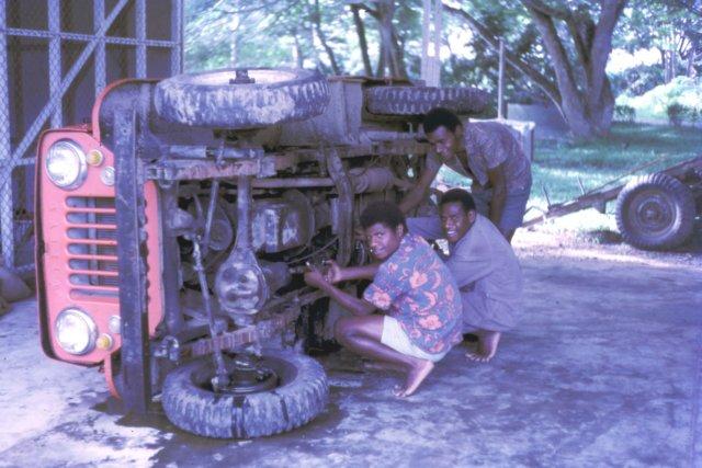 photo63 Jeep_repair_BainyikVocCentre_'72.jpg