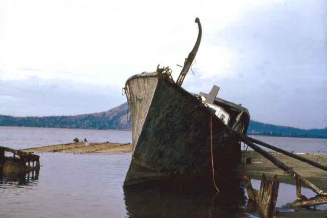 photo08 Rabaul_war_wreck_'61.jpg